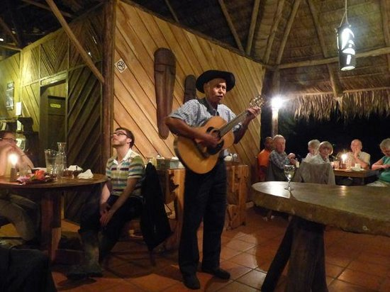 Esquinas Rainforest Lodge: local villager entertained us