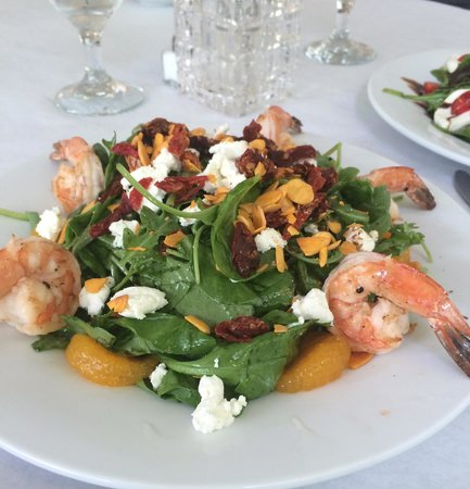 Jesse's Restaurant: Shrimp salad