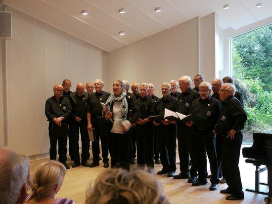 Troldhaugen Edvard Grieg Museum: Visiting men's chorus