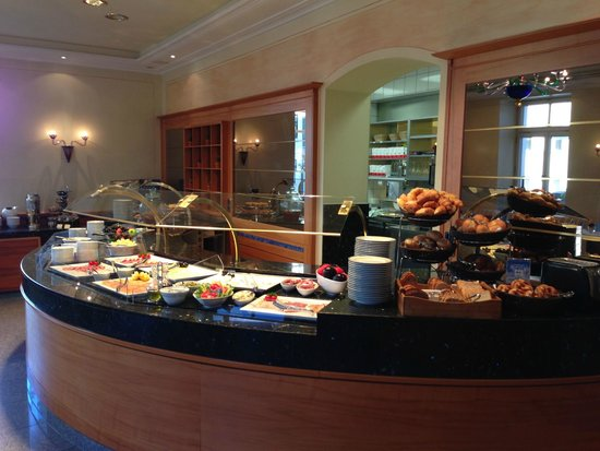 Hotel Torbraeu: Breakfast buffet
