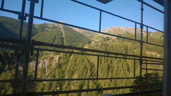 Le Chastellares Hotel : der Blick aus dem Zimmer