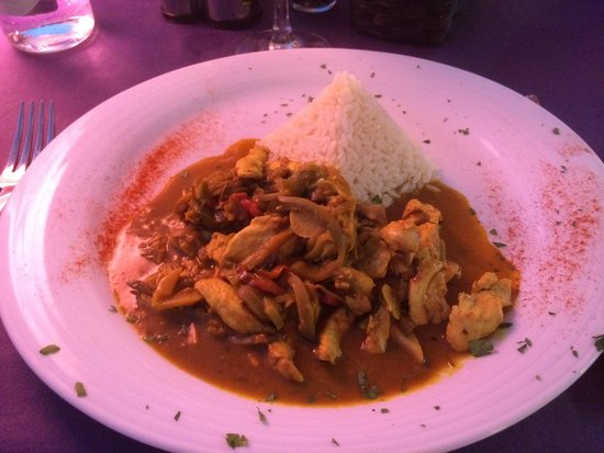 Parrots Restaurant: Chicken Curry( Fantastic )