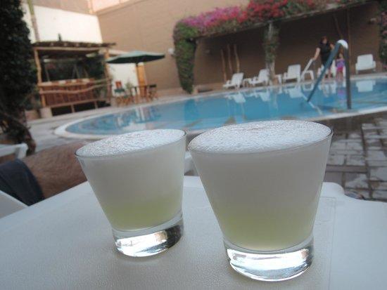 Casa Andina Classic - Nasca : Pisco a bordo piscina