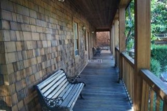 Myers Country Inn : Wrap Around Porch