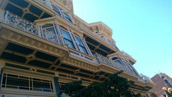 The Horton Grand Hotel: Outside hotel detail