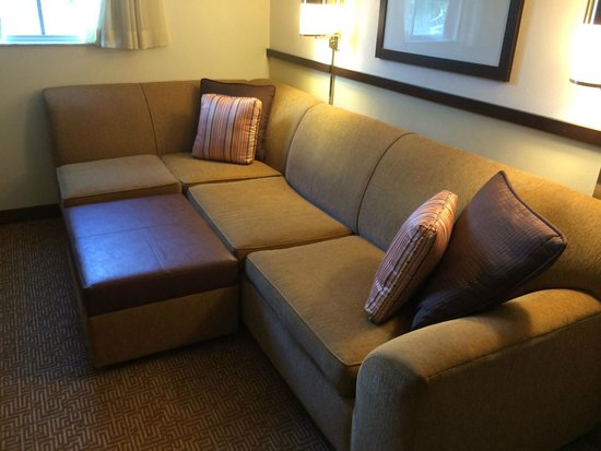 Hyatt Place Lake Mary/Orlando-North: Oversized sofa