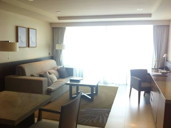 The Westin Siray Bay Resort & Spa Phuket: Sitting Room/Living Room
