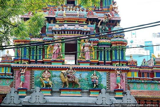 Mariamman Hindu Temple: Вход в храм