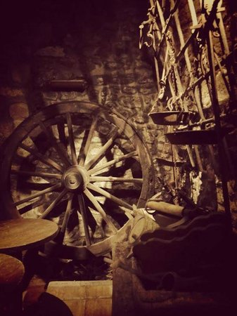Arte e Vino: cellar