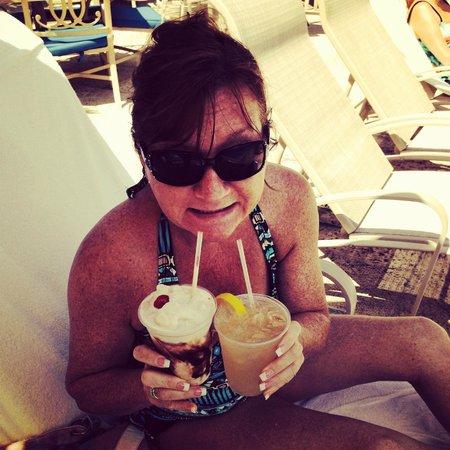 Delray Beach Marriott: Double fistin poolside