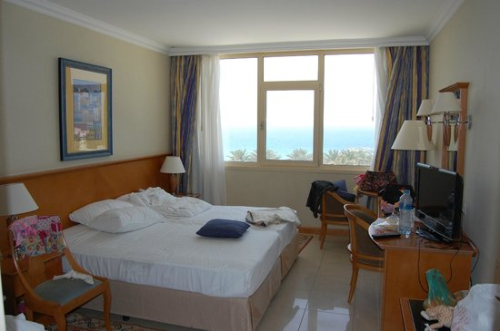 Coral Beach Resort Sharjah: Номер