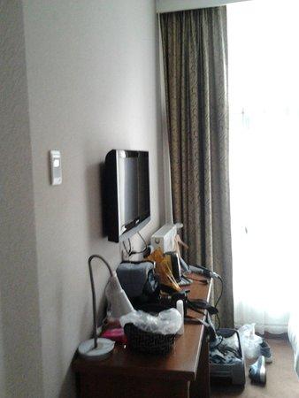 Hotel Central Park: stanza non insonorizzata
