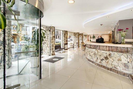 Alt Interlaken Hotel: Recepción