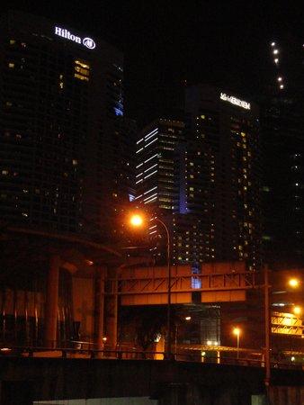 Hilton Kuala Lumpur: Hilton KL in night