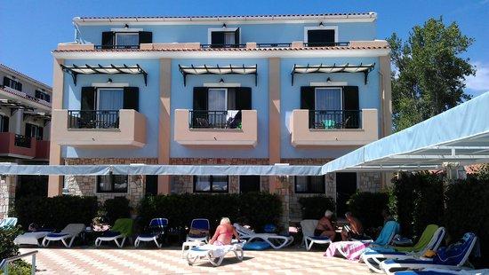 Mediterranean Beach Resort Hotel: Номера с видом на море