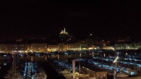 Hôtel La Residence du Vieux Port : Night view