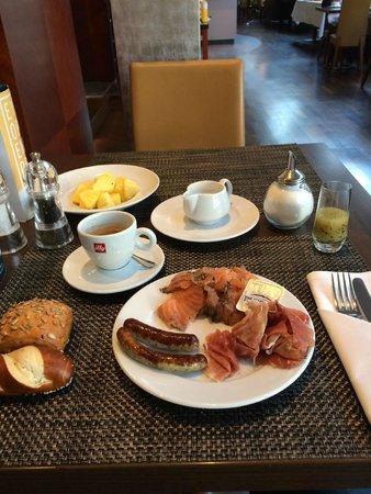 Le Meridien Parkhotel Frankfurt: Petit-déjeuner