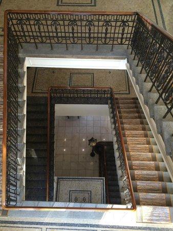 Le Meridien Frankfurt: Escalier