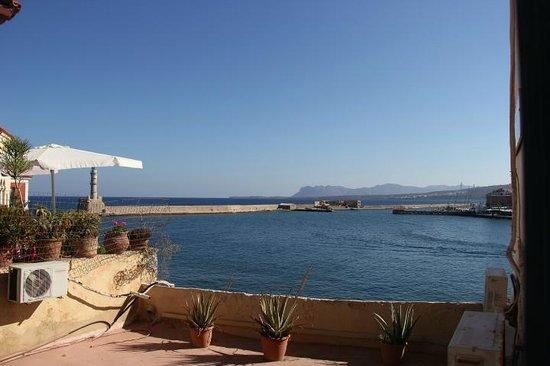 Amphora Hotel: Вид с балкона