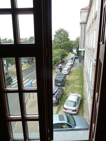 Hostel Przy Targu Rybnym: Widok z drugiego okna
