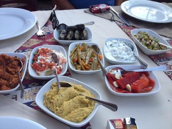 Otantik Grill: mixed mezzi started, beautiful