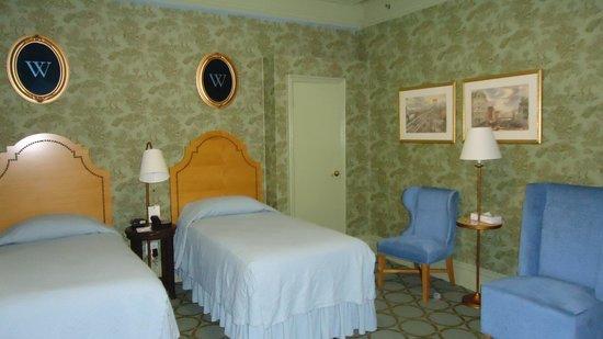 Wolcott Hotel: TRIPLE ROOM