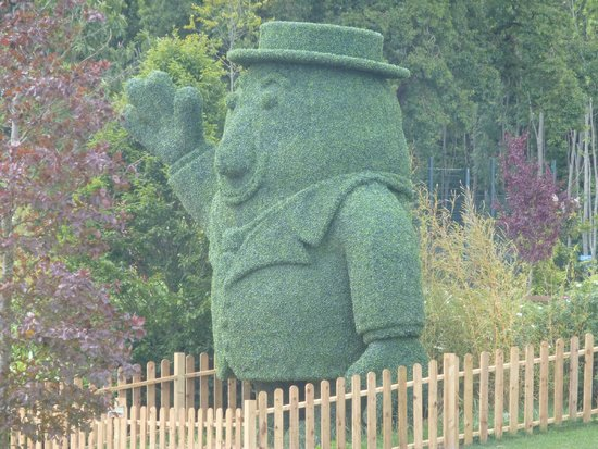Tayto Park: Beautifully maintained grounds