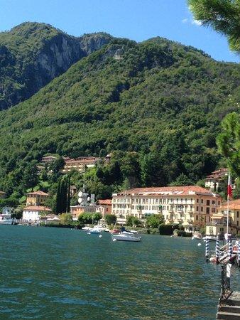 Grand Hotel Menaggio: Hotel Grand Menaggio from the town centre