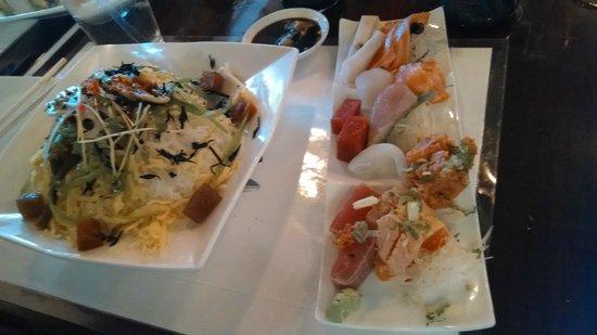 Sushi Yoshi: Chirashi (lunch portion)