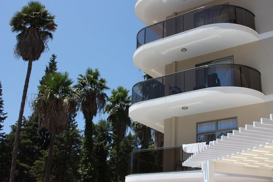SENTIDO Sea Star: The balconies