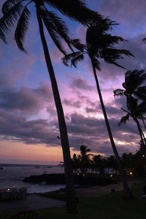 Candi Beach Resort & Spa : Sunset