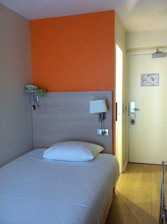 Ibis Styles Paris Maine Montparnasse : Single bed