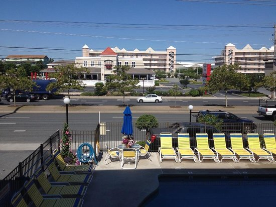 Sea Hawk Motel: 2nd floor balcony view