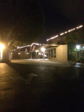 Wyndham Garden Ventura Pierpont Inn: Front of Hotel