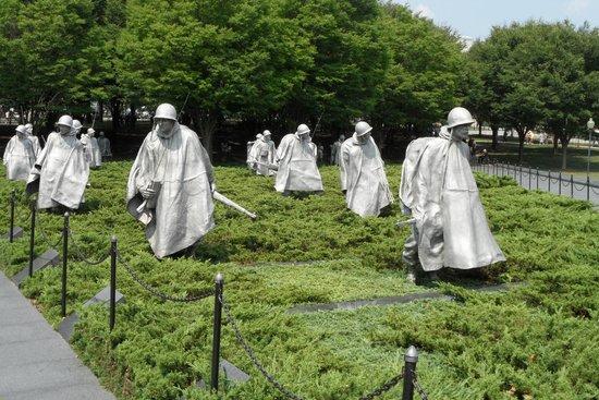 Monumento a los veteranos de la Guerra de Korea: Soldiers