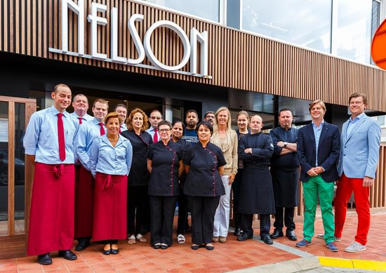 Nelson's Hotel : the staff