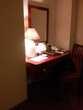 Lan Vien Hotel Hanoi : tocador en la habitación