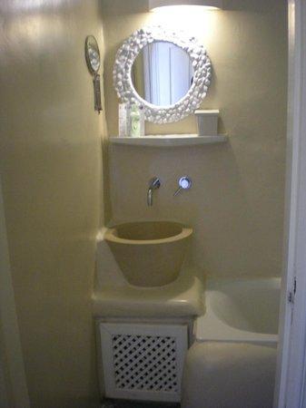 Rania Apartments: Bathroom