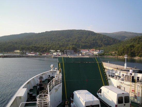 Adriatiq Resort Fontana: подплываем к Hvar