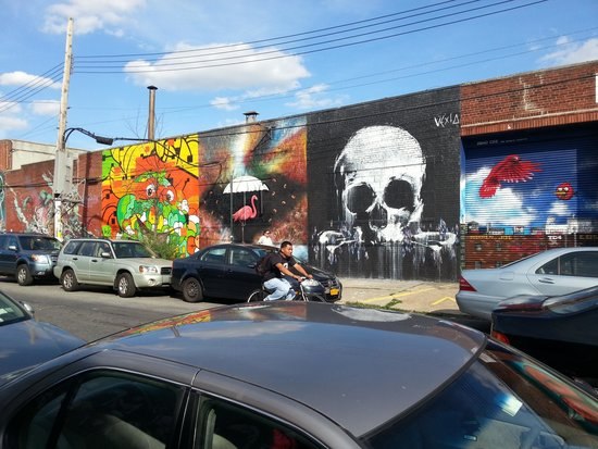 Real New York Tours: Amazing art in Brooklyn