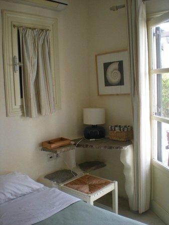 Rania Apartments: Room