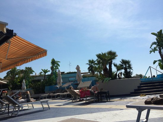 Four Points by Sheraton Catania Hotel & Conference Center: Piscine