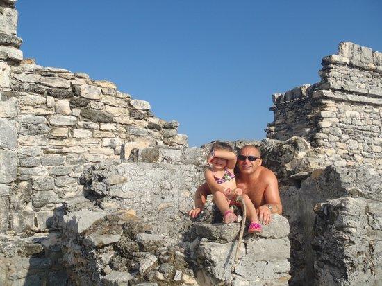 Hotel Riu Palace Las Americas: mayan ruins,scorpion temple