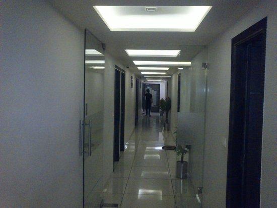 Hotel Flair Inn : Very clear corridor