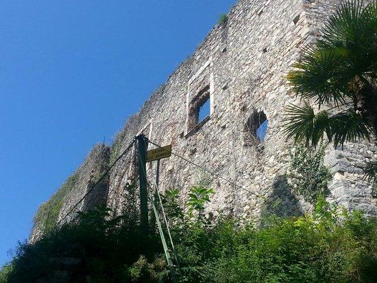 Rocca Borromea di Arona: I resti della Rocca.