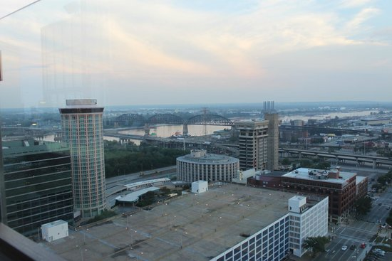 Hilton St. Louis at the Ballpark : View from room