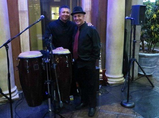 Montecasino : Duo of musician's