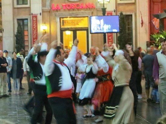 Montecasino : Portuguese dancers.