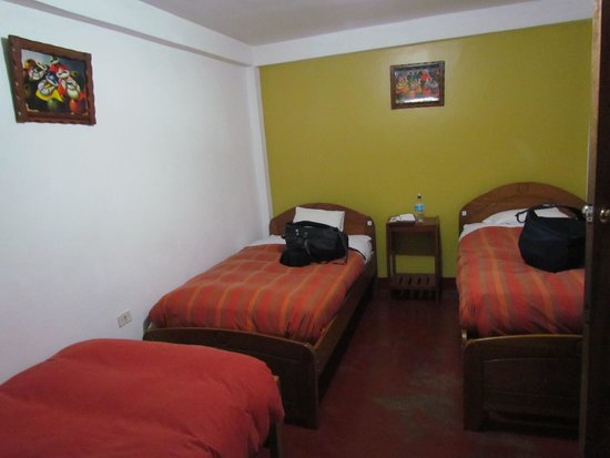 Pirwa Hostel Machu Picchu: Our room of 3