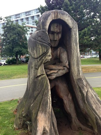 Oregon Museum of Science and Industry: Sculpture in a Tree Trunk